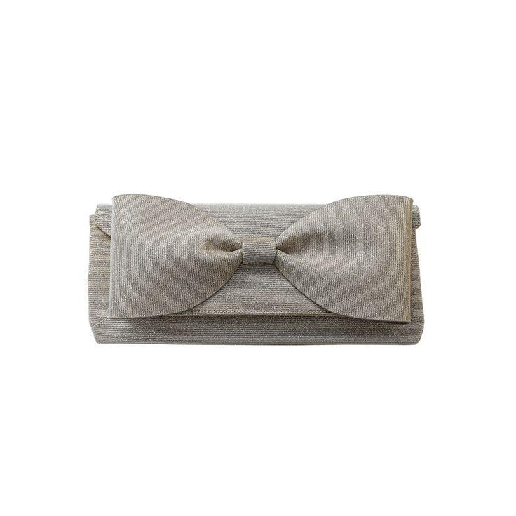 OSCAR DE LA RENTA Envelope Bow Clutch. #oscardelarenta #bags #clutch #hand bags #