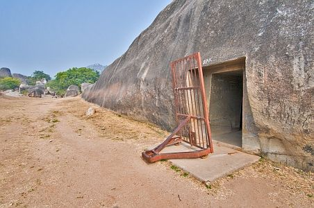 The name 'Sudama' relates to a poor friend of Krishna: a local legend suggests that he once stayed in this cave. However, the Ashokan inscriptions dedicate this cave to the Ajivikas. The Sudama is the earliest cave on the site, dating back to 252 BC, the 12th year of Ashoka's reign. It has a plain rectangular entrance door, whilst the entrance to the adjacent Lomas Rishi cave