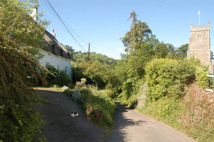 Bed & Breakfast in Higher Ashton, United Kingdom. In peaceful, charming Devon hamlet, a converted bakery alongside a 15th Century thatched cottage, with  views.  Can sleep 2 adults and 2 children or 3 adults.  Sofa bed and travel cot.  Situated in the tranquil Teign valley 7 miles from Exeter.  T...