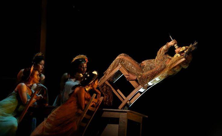 Beyoncé, embarazada de mellizos, llenando de angustia a todo el mundo con estos equilibrios.