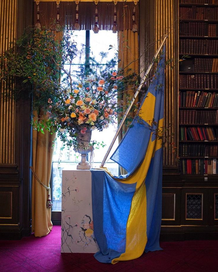 Stirringly Swedish today in the library of the Reform Club Pall Mall
