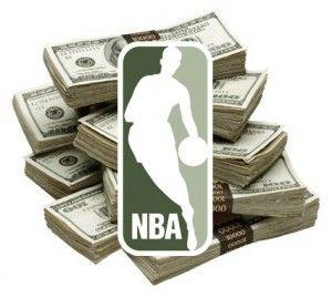 Korábbi cikkünkben már szó volt arról, hogy az amerikai kosárlabda liga játékosai mennyit keresnek, megnézhettétek, hogy kik azok a játékosok, akik a legtöbbet keresnek az NBA-ben.  Íme egy lista arról, hogy melyik csapat mennyit költ a fizetésekre az elkövetkezendő szezonokban (természetesen a jelenlegi állás szerint…) A listából kiderül, hogy a nyáron alaposan átforgatott és […]