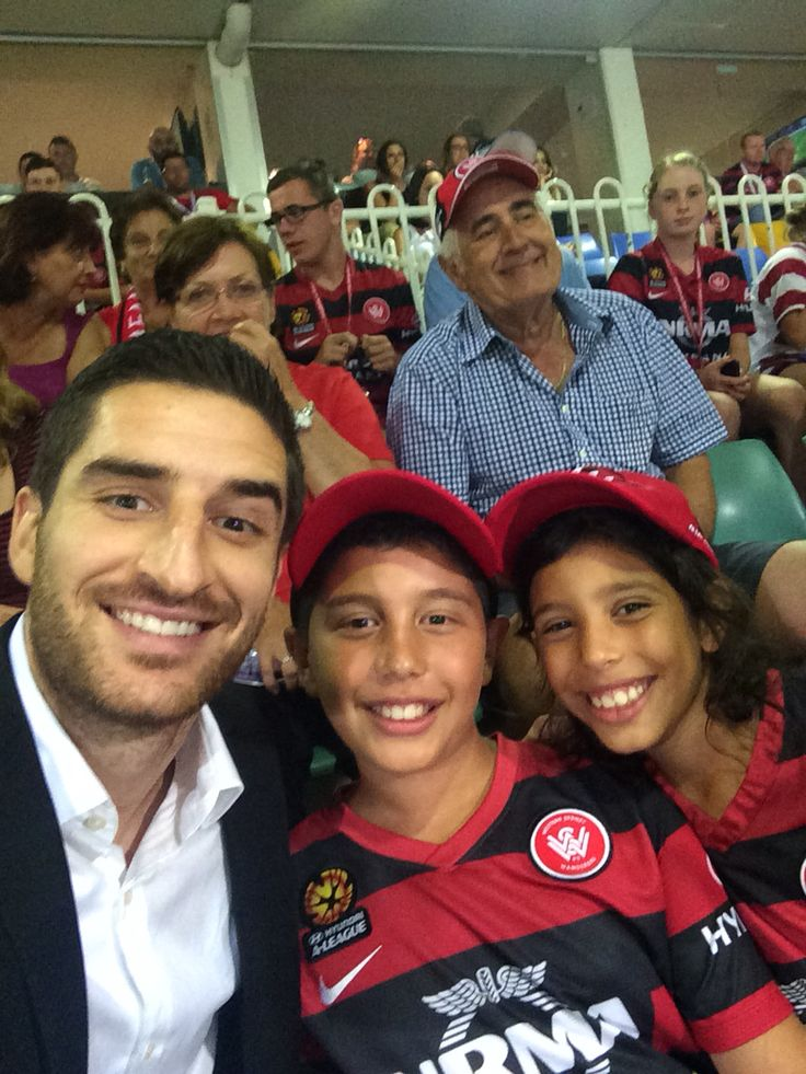 Kids getting their #selfie with #wsw champion Lo Rocca ⚽️