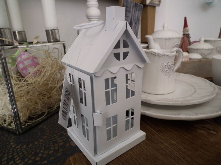 Bílý domeček na čajovou svíčku. http://www.Niels-Decor.cz