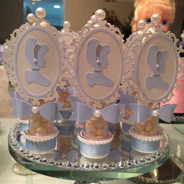 """79 curtidas, 9 comentários - Promove Eventos (@promoveeventos) no Instagram: """"Coisa mais linda o tubete da Cinderela todo de recorte especial!  Muito delicadeza e…"""""""