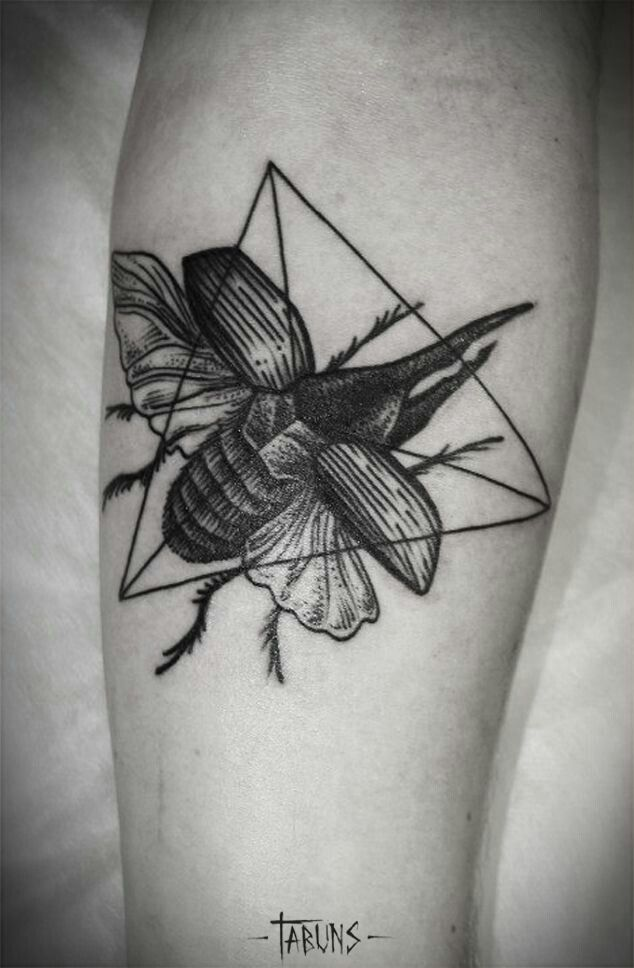 beetles black tattoo buscar con google tattoo 39 s pinterest beetle tattoo beetles and tattoo. Black Bedroom Furniture Sets. Home Design Ideas