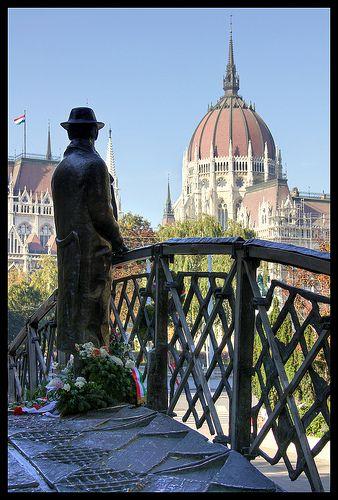 The Imre Nagy statue facing the hungarian Parliament - Budapest, Hungary