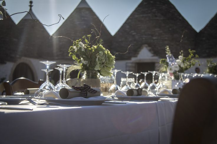 Getting married among the trulli is a dream that brings good luck. <3 Sposarsi tra i trulli è un sogno che porta fortuna.  #trulli #countrywedding #masseria #apulia #matrimoni #puglia