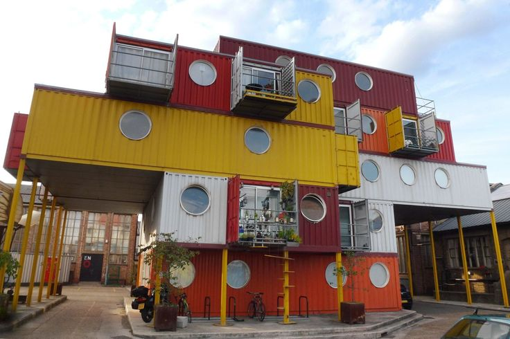 45 Amazing Homes and Offices Built from Shipping Containers
