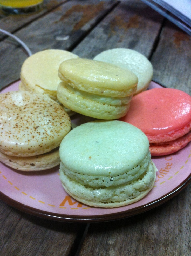Tea and Macarons? Yes please!