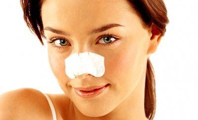 Hidung memiliki fitur yang sedikit berbeda, oleh karena itu hidung cenderung lebih mudah berminyak dan berjerawat. Ketahui cara mengatasinya di sini!  jerawat di hidung,cara mengatasi jerawat di hidung,cara menghilangkan jerawat di hidung,hidung berminyak,mengatasi minyak pada hidung,mengatasi minyak berlebih pada hidung