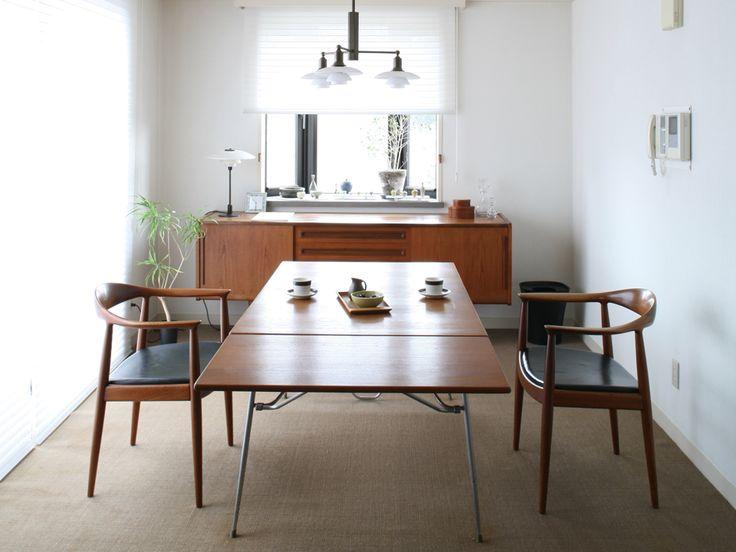 150㎡のマンションのコーディネート事例。「家具はアート」をテーマに、家具を見せる部屋づくりを提案。ヴィンテージ家具に合わせ、「FILE」のオリジナル家具をミックスしてコーディネート。