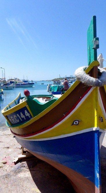 2ème édition des week-ends surprises et départ pour Malte – plus petit pays d'Europe ! Destination soleil et Méditerranée par excellence avec une bonne dose d'Histoire et de culture. Petit aperçu de l'archipel maltais (et oui, il y a plusieurs îles !) qui mérite d'être visité ! Malte en mai c'est du soleil assuré donc… Continue reading →