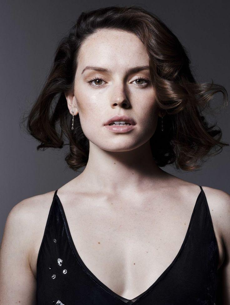 Daisy Ridley - 2017 - Elle UK Magazine
