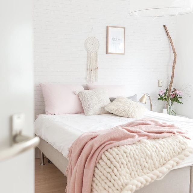 1000+ Ideas About Space Saving Bedroom On Pinterest