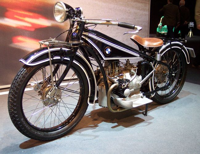 Herein lies the 50 most iconic motorcycles motorized two-wheeled. History starts this way.