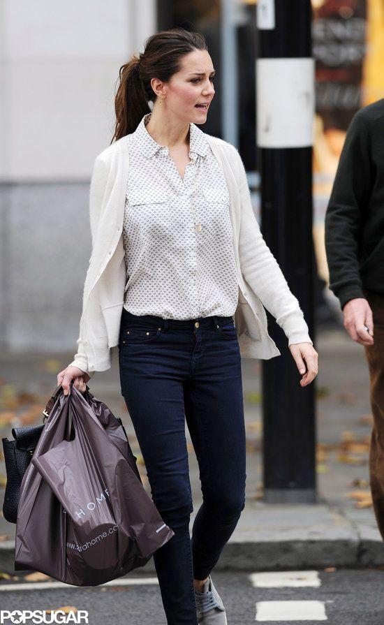 Kate Middleton Shopping in London at Zara Home. 25 Oct. 2013 #wkw