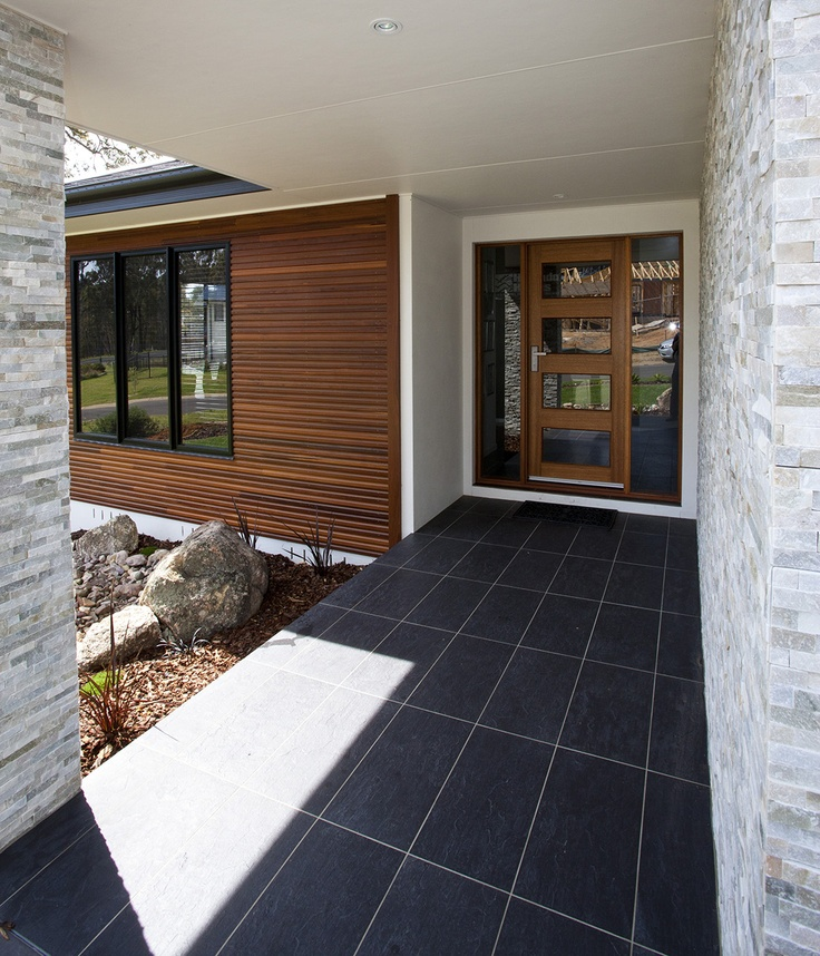 Beautiful entry into the home. Oakdale home design by Hotondo Homes. http://www.hotondo.com.au/home-design-oakdale228_68.aspx