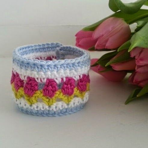 A day at the office.  Cute crochet bracelet .  Tulip pattern.  Chart provided.