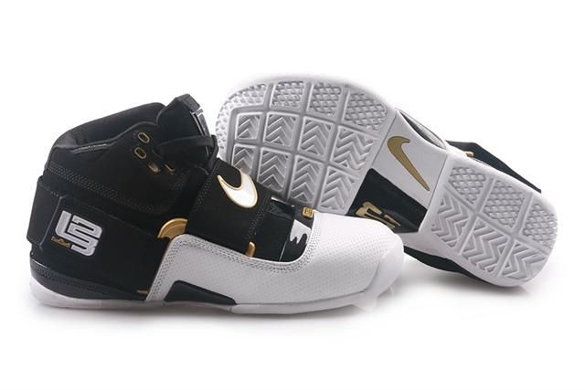 http://www.airfoamposite.com/nike-zoom-lebron-45-black-white-gold-p-348.html NIKE ZOOM LEBRON 4.5 BLACK WHITE GOLD Only $86.85 , Free Shipping!