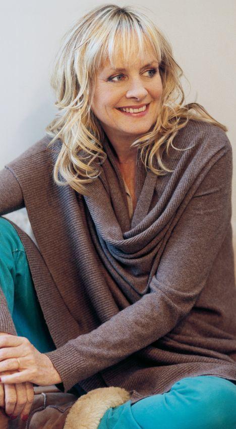 older short haired blonde model spreads