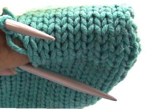 How to do the Kitchener stitch & create an invisible seam on a knitted object