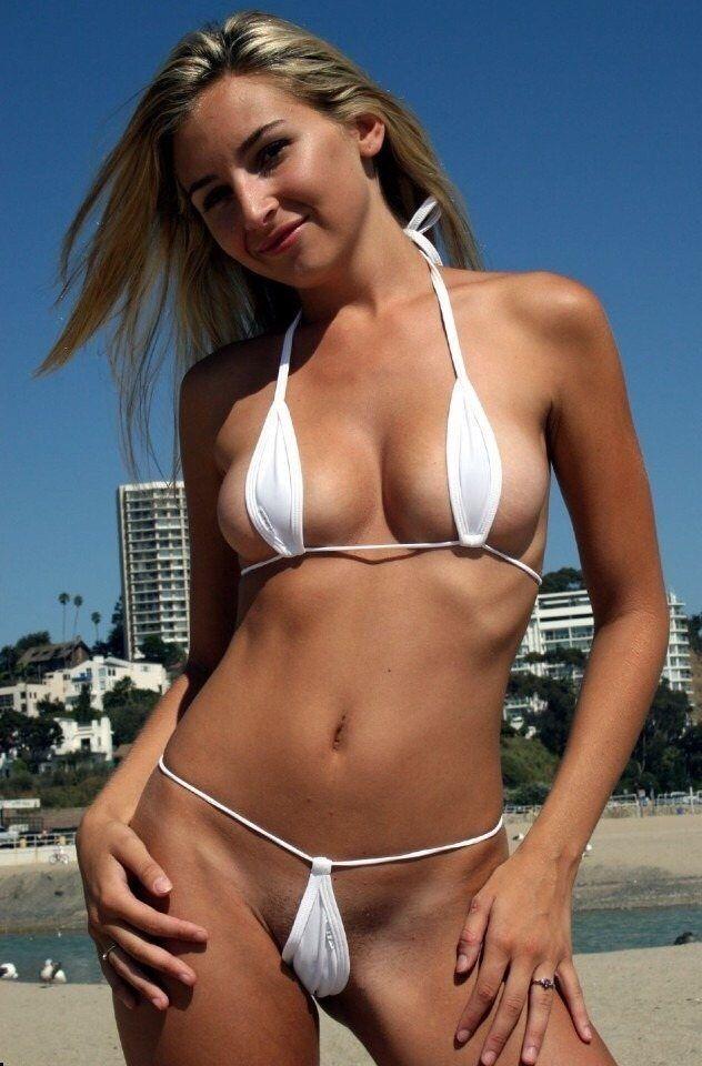 Частное фото микро бикини, большая грудь в порно