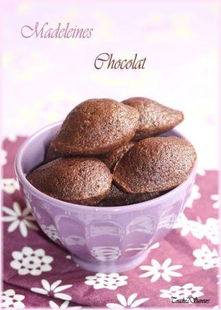 Recette mini madeleines au chocolat par Souade : De jolies petites madeleines toutes moelleuses qui seront parfaites pour un café gourmand et qui feront aussi le bonheur des enfants !.Ingrédients : sucre, cacao, beurre, farine, levure