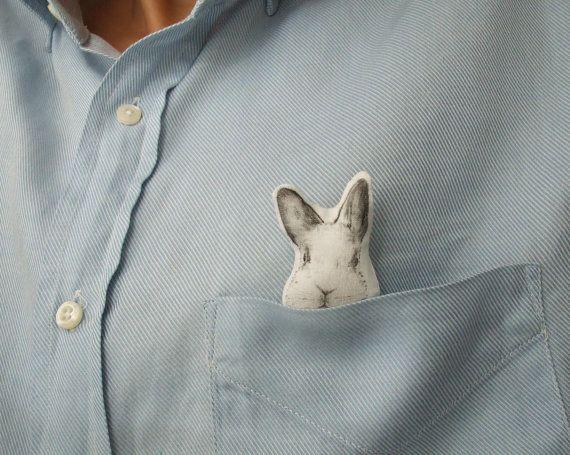 spilla a forma di coniglio coniglietto in cotone stoffa di MosMea, €15.00