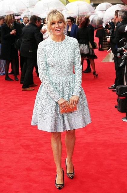 Sienna miller in matthew williamson fall 13 red carpet faves best dressed pinterest Sienna miller fashion style tumblr