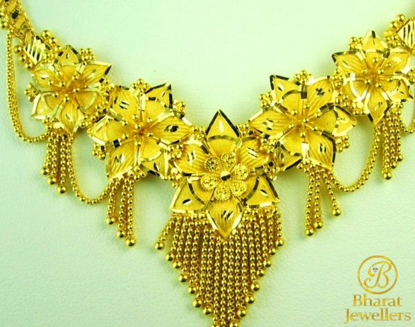 #gold #jewellery are completely #hallmarked in 22kt (91.6) from #BIS