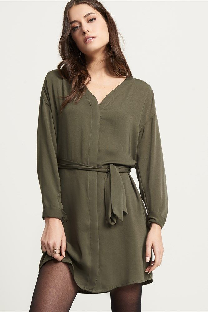 https://www.dynamiteclothing.com/ca/button-up-tunic/p/prod2770024.product