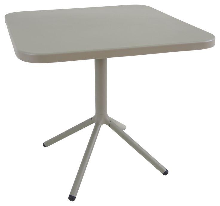 Jetzt bei Desigano.com Grace Tisch Tische, Gartenmöbel, Gartentische von emu ab Euro 401,00 € Grace ist aus der Zusammenarbeit mit dem Designer Samuel Wilkinson entstanden und ist eine Kollektion aus Aluminium in einem schlichten und zeitlosen Stil in Vintage-Optik. Diese Produktgruppe, für ein geselliges Miteinander in entspannter Atmosphäre, wird sowohl Indoor als auch Outdoor den unterschiedlichsten Ansprüchen gerecht. - wetterfest - klappbar