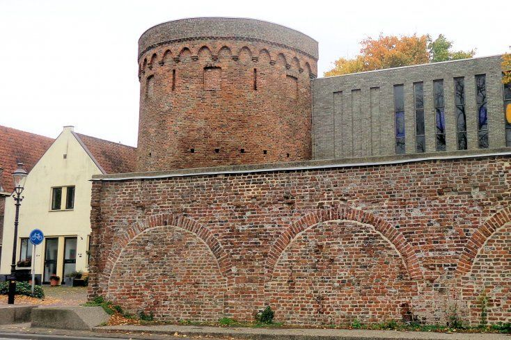 Gedeelte oude stadsmuur Deventer.