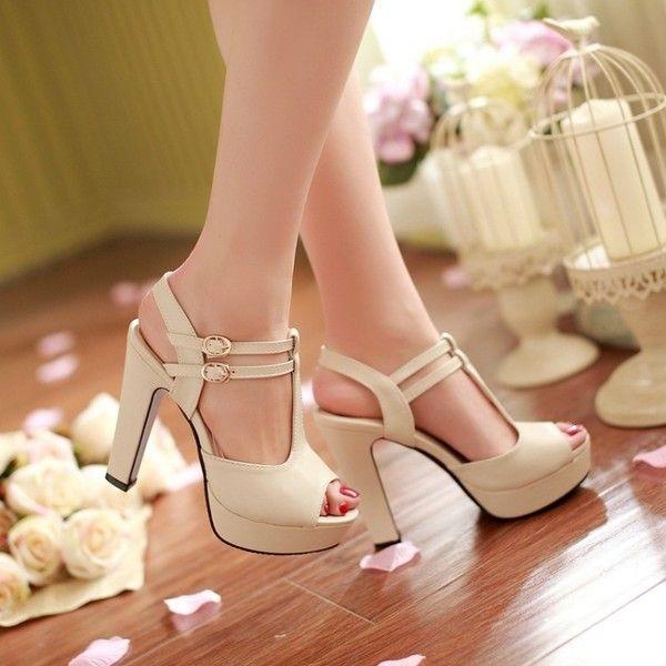 Eleganti sandali in stile europeo  di edlwise su DaWanda.com