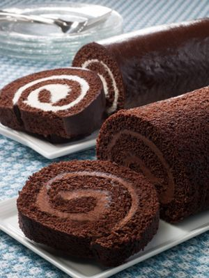 The Pennsylvania Dutch Amish have been perfecting their craft of small-batch baking for generations, and in no way is that more apparent than with this homemade-tasting chocolate Swiss roll.