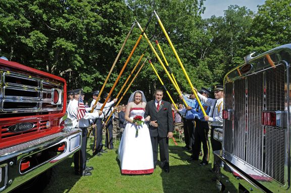 firefighter-wedding with honor guard