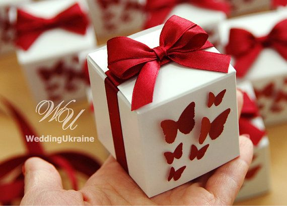 Favor candy box with bow and 3D little by WeddingUkraine on Etsy