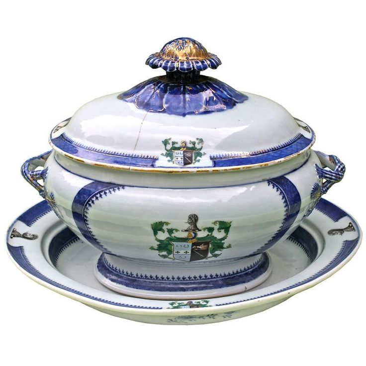 Chinese Export Armorial Tureen on Platter | From a unique collection of antique and modern soup tureens at https://www.1stdibs.com/furniture/dining-entertaining/tureens/