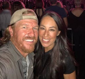 Joanna Gaines Asks for Help From Fans After False Rumor Spreads About 'Fixer Upper' Stars
