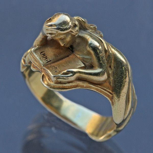Rare Art Nouveau Ring celebrating the Paris 1900 Exhibition. Louis Zorra was born in Asti, Italy & moved to Paris where he designed several Art Nouveau jewels, exhibiting at the Salons of the Society des Artistes Francais.