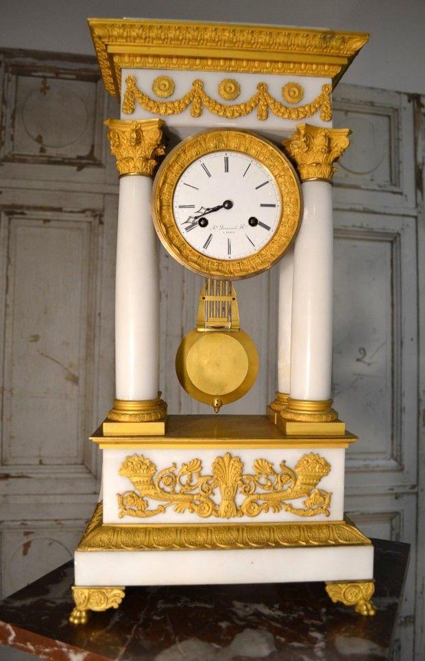 pendule époque restauration colonne ancienne bronze albâtre dumenil horloger Paris chapiteau corinthien