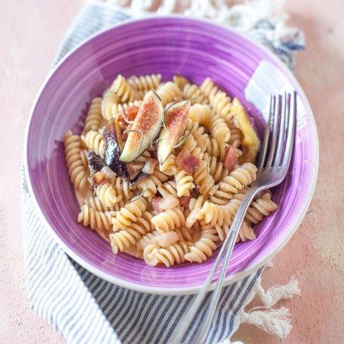 Cibo: #Pasta con #fichi e pancetta dolce (link: http://ift.tt/2ai0yPI )
