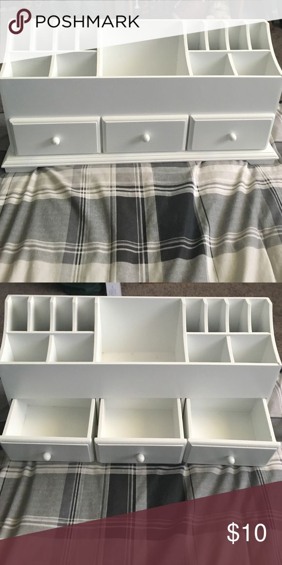 Make Up Organizer White wood organizer for many things. I brought it to organize my make up, but it was too big for the area I wanted it in. No Knicks, no dents. Barely used. This can hold different stuff in, if you don't want it for make up. Like hair accessories or jewelry accessories. Best offer. Makeup Brushes & Tools