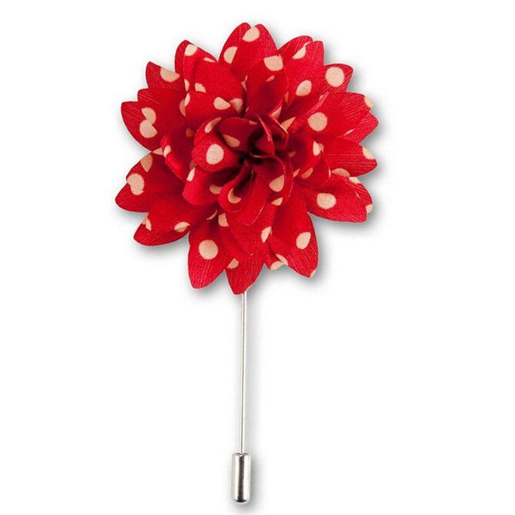 Красная бутоньерка для жениха в горошек