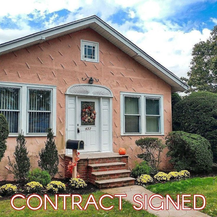 Contract signed on this single-family house in #CityIsland