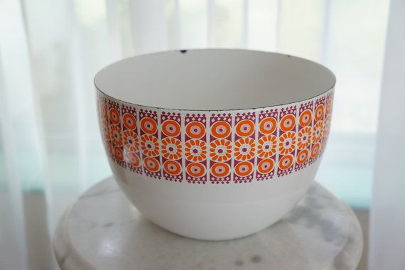 Fab Enamel Bowl by Finel -- Groovy Mixing Bowl Made in Finland -- Bowl Designed by Kaj Franck & Daisy Pattern Designed by Raija Uosikkinen