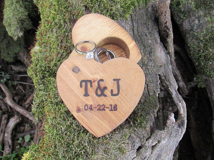 Rustic Ring Box | Rustic Wedding Ring Box | Rustic Ring Bearer Box | Rustic Wedding Ideas by Trees2Art on Etsy