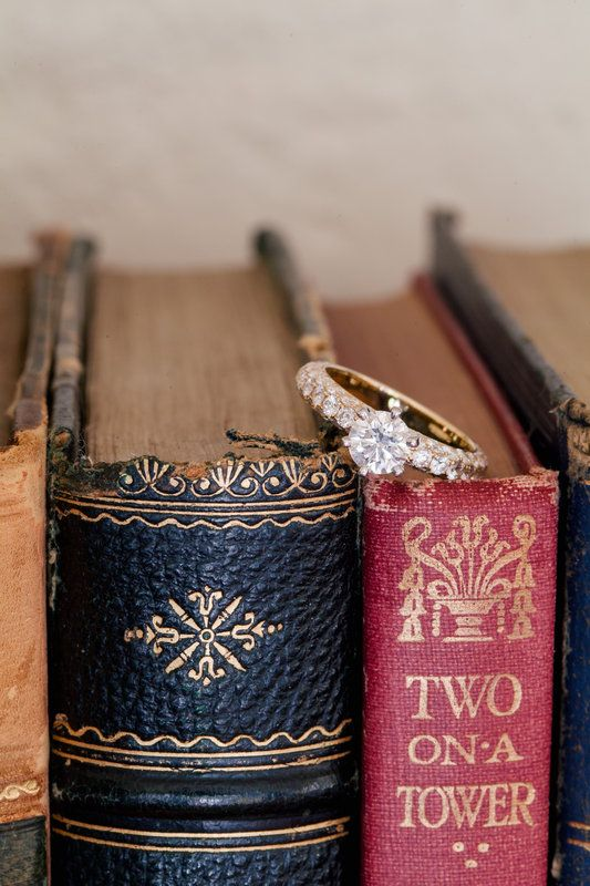 Book Barn Wedding Photos by Hilary Cam Photography  Bendooley Estate wedding