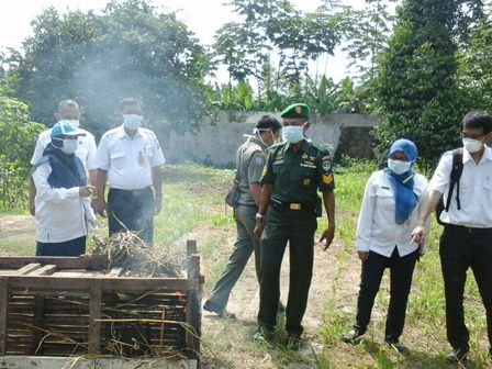 30 Poultry Cages in Pondok Labu Destroyed